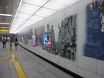 つくばエクスプレス・浅草駅の壁画。。。江戸っ子の粋を感じますねぇ。。。地上へ出るエスカレーターを上っている際にも歴史の紹介のパネルもあり、為になる知識満載です。